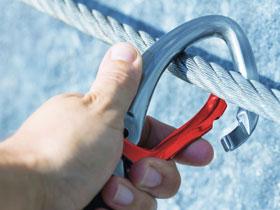 如何区分坠落悬挂安全带和区域限制安全带